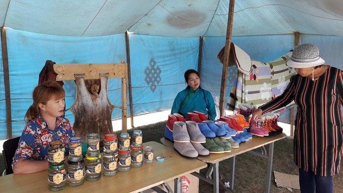 Mongolei Frauen verkaufen Fest