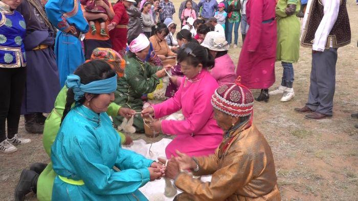Mongolei Szene Kamelfest.jpg